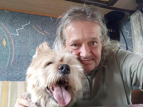 Karlchen und ich im Wohnmobil