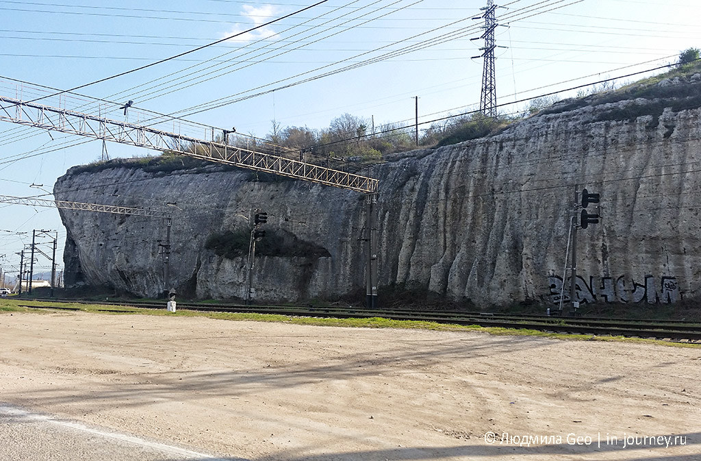 интересная скала недалеко от Севастополя
