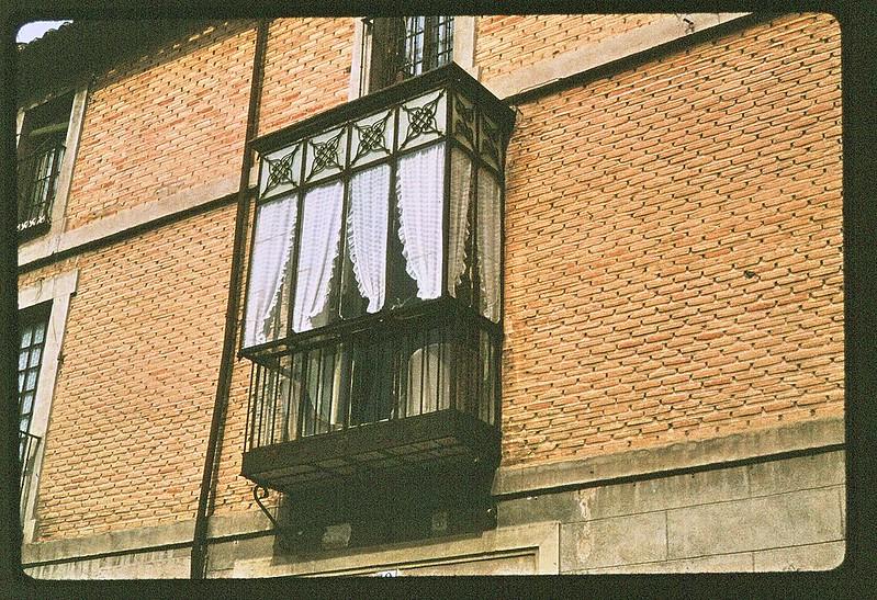 Un mirador en Toledo en abril de 1963. Película Kodachrome. Donación de la familia Burgos.