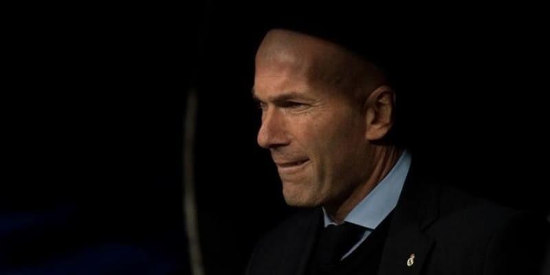 Gosip MU Ingin Datangkan Zinedine Zidane jika Jose Mourinho Hengkang