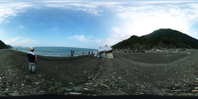 7南澳神祕海灣海蝕洞沙灘車(手機版請點照片右下角360)