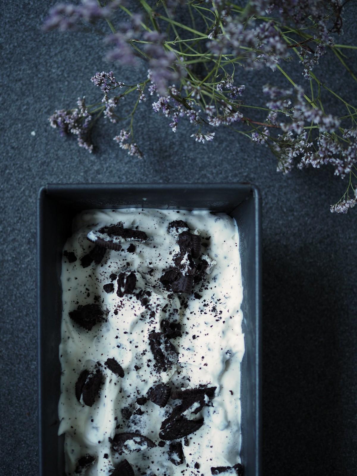 kotitetekoinen-oreo-jäätelö