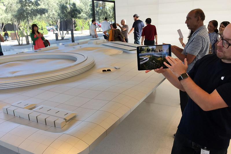 Augmented reality Apple Park