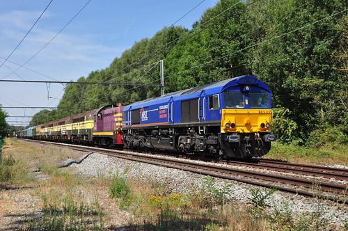 Overbrenging historisch materieel door HSL-Polska class 653-03,doorrit in Vertrijk lijn 36