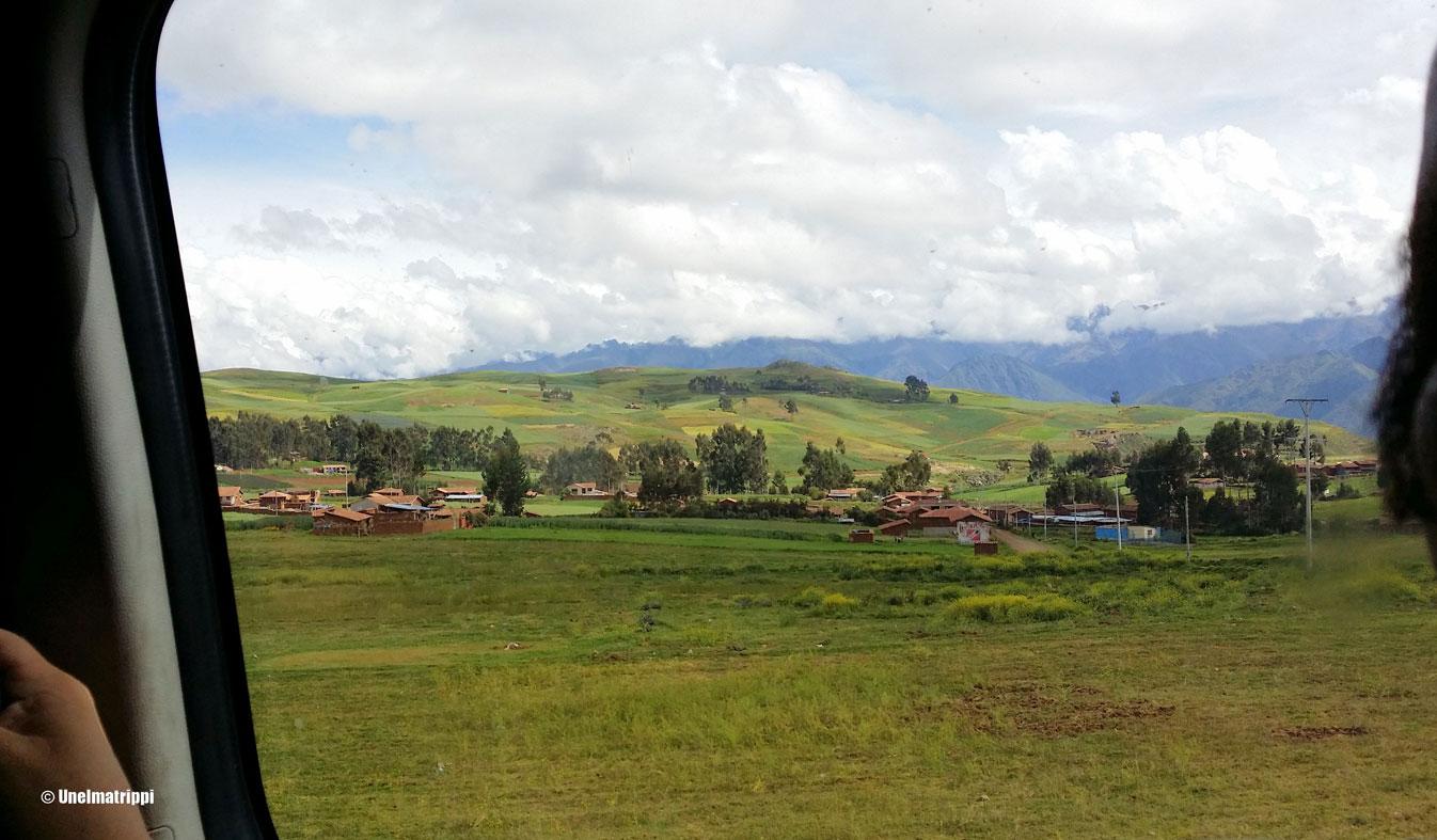 Bussissa matkalla Cuscosta Ollantaytamboon