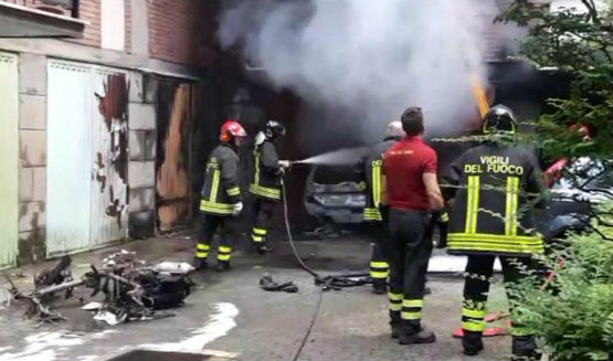 incendio_garage_bologna_via_pasubio_555