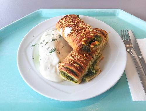Spinach feta strudel with gorgonzola dip /Spinat-Feta-Strudel mit Gorgonzoladip