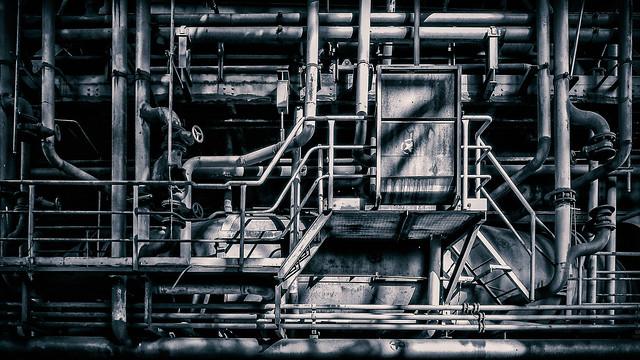 pipe assemblage, Panasonic DMC-G5, Lumix G Vario 14-42mm F3.5-5.6 Asph. Mega OIS