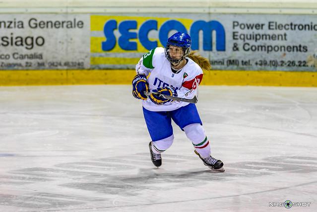 Italian hockey girl, Nikon D600, Tamron SP AF 70-200mm f/2.8 Di LD (IF) Macro (A001)