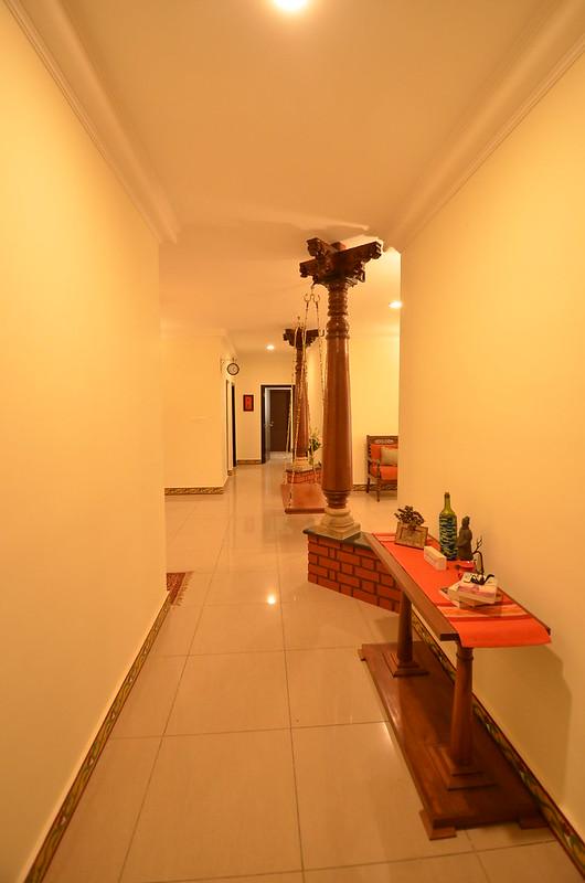 pilar corridor
