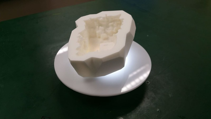 Geode with base