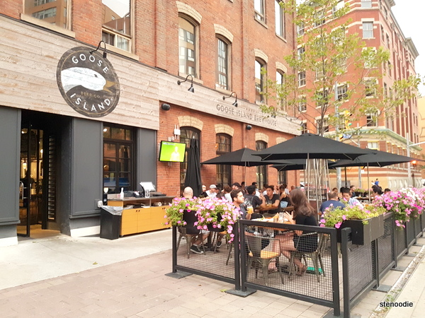 Goose Island Brewhouse patio