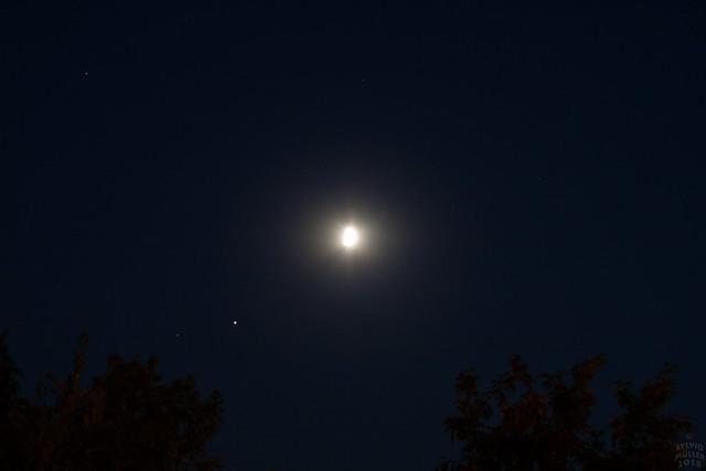 Jupiter Moon 55 mm, Canon EOS 1000D, Canon EF-S 18-55mm f/3.5-5.6 [II]