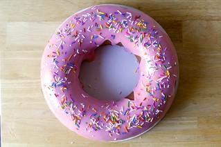 marbled raspberry doughnut cake