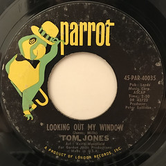 TOM JONES:LOOKING OUT MY WINDOW(LABEL SIDE-B)