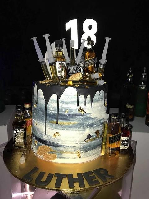 Cake by Cara Dawson of Cara's Cake's - Campbelltown NSW