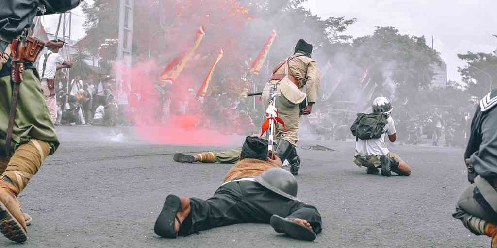 guerre-démocratie-dictature