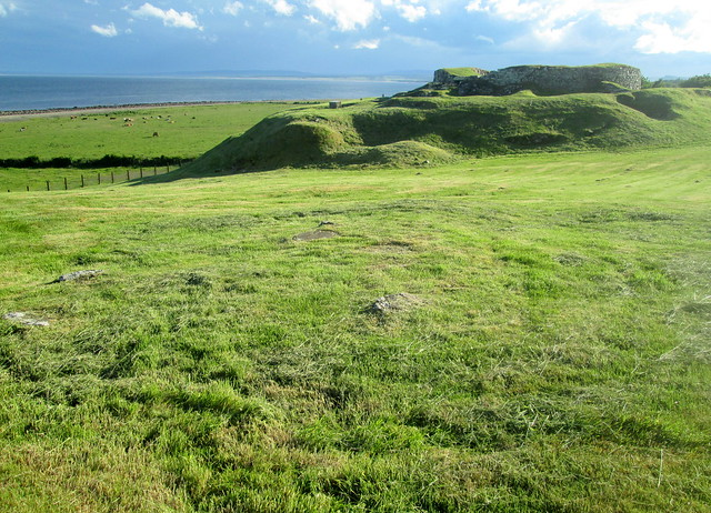Càrn Liath Broch, from North