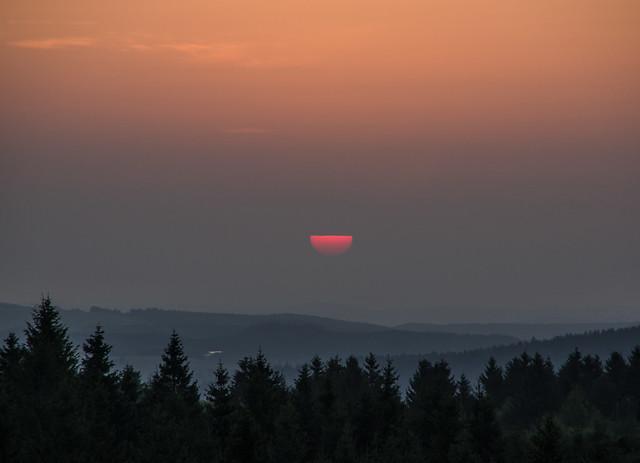 a half sun, RICOH PENTAX K-70, smc PENTAX-DA 18-135mm F3.5-5.6 ED AL [IF] DC WR