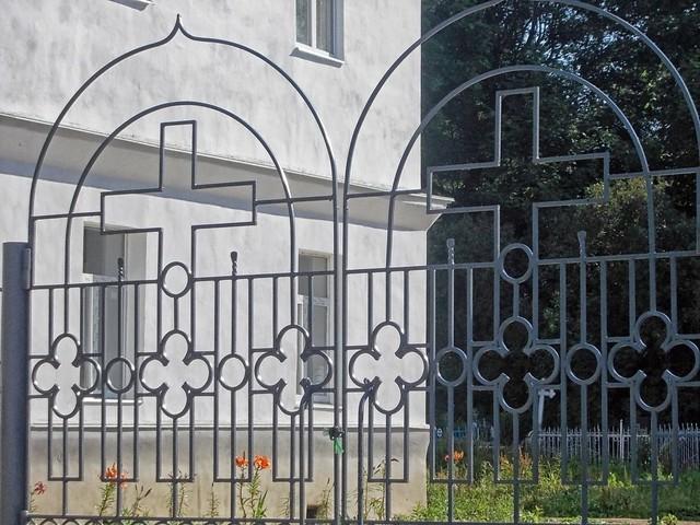 Церковные ворота, Nikon COOLPIX L23