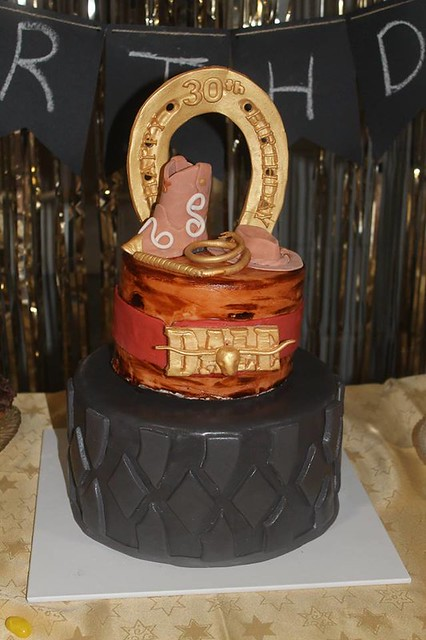 Cake from Designer Cakes by Roxy