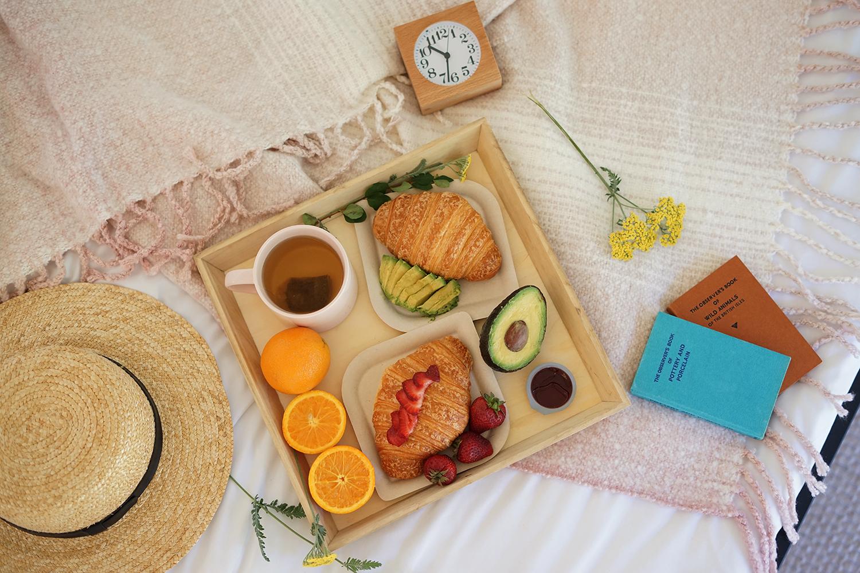 10autocamp-russianriver-sonoma-tent-glamping-breakfast