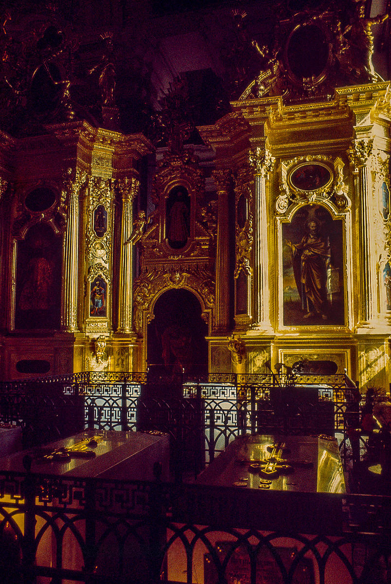 Захоронения Романовых в Петропавловском соборе