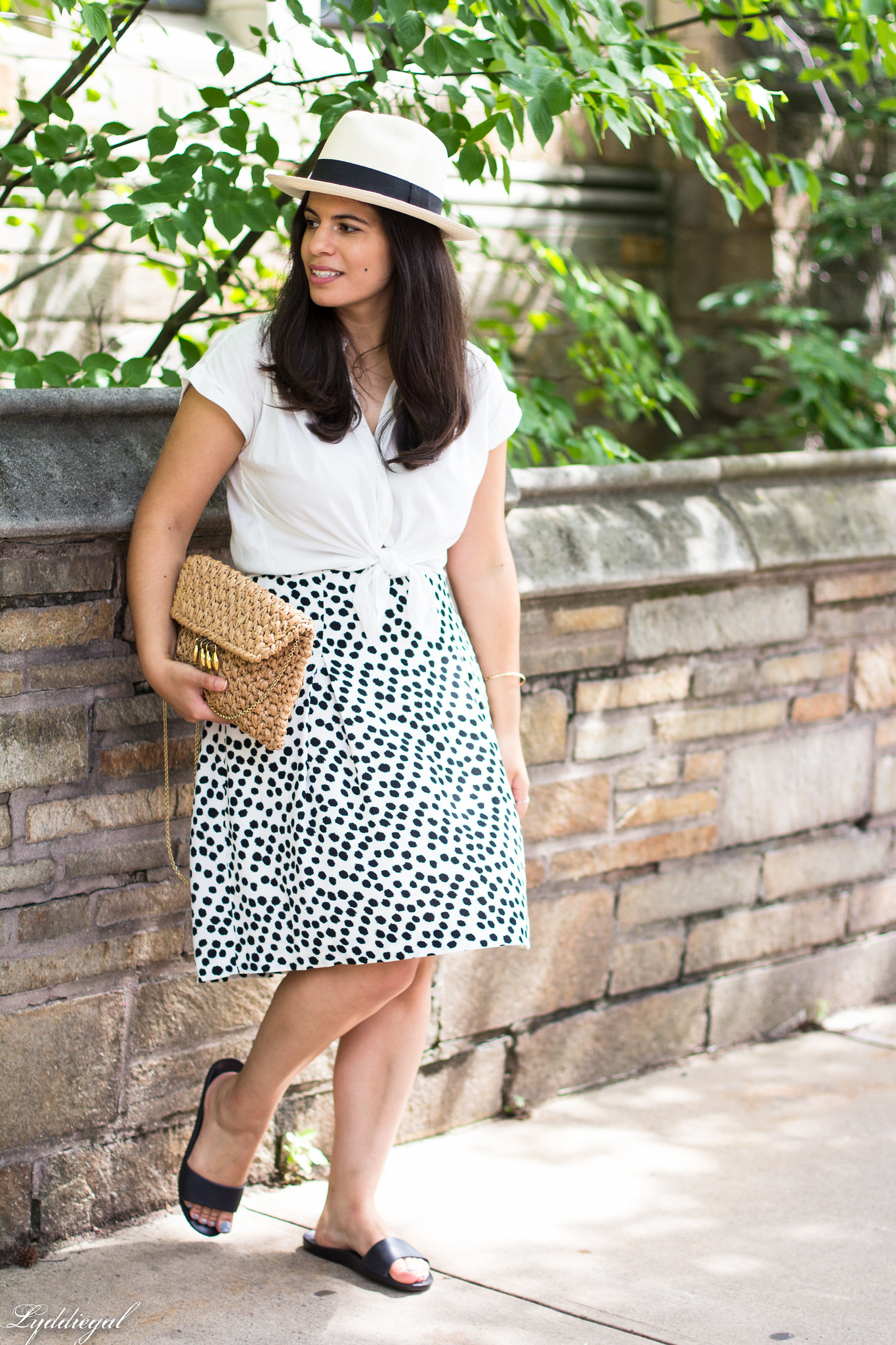 white knotted button down, dalmatian print skirt, straw bag-8.jpg