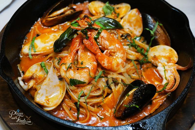 michaelangelo seafood marinara