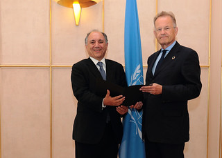 NEW PERMANENT REPRESENTATIVE OF ITALY PRESENTS CREDENTIALS TO THE DIRECTOR-GENERAL OF THE UNITED NATIONS OFFICE AT GENEVA