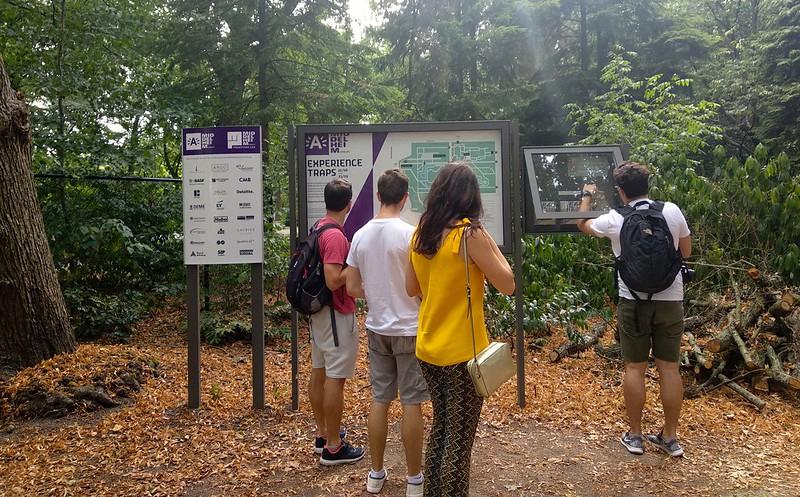 """Middelheim  - 29853385178 522087ded8 c - """"Experience traps"""" en el parque-museo de Amberes."""