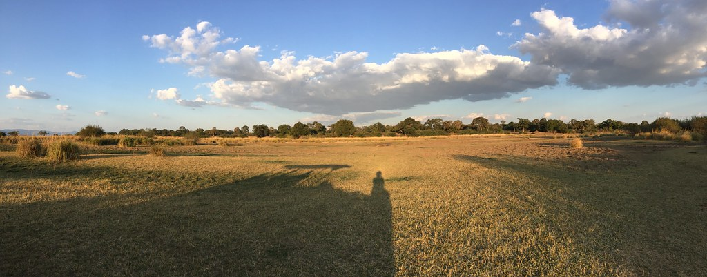Lots of sky and open space, Mana Pools National Park, Zimbabwe.