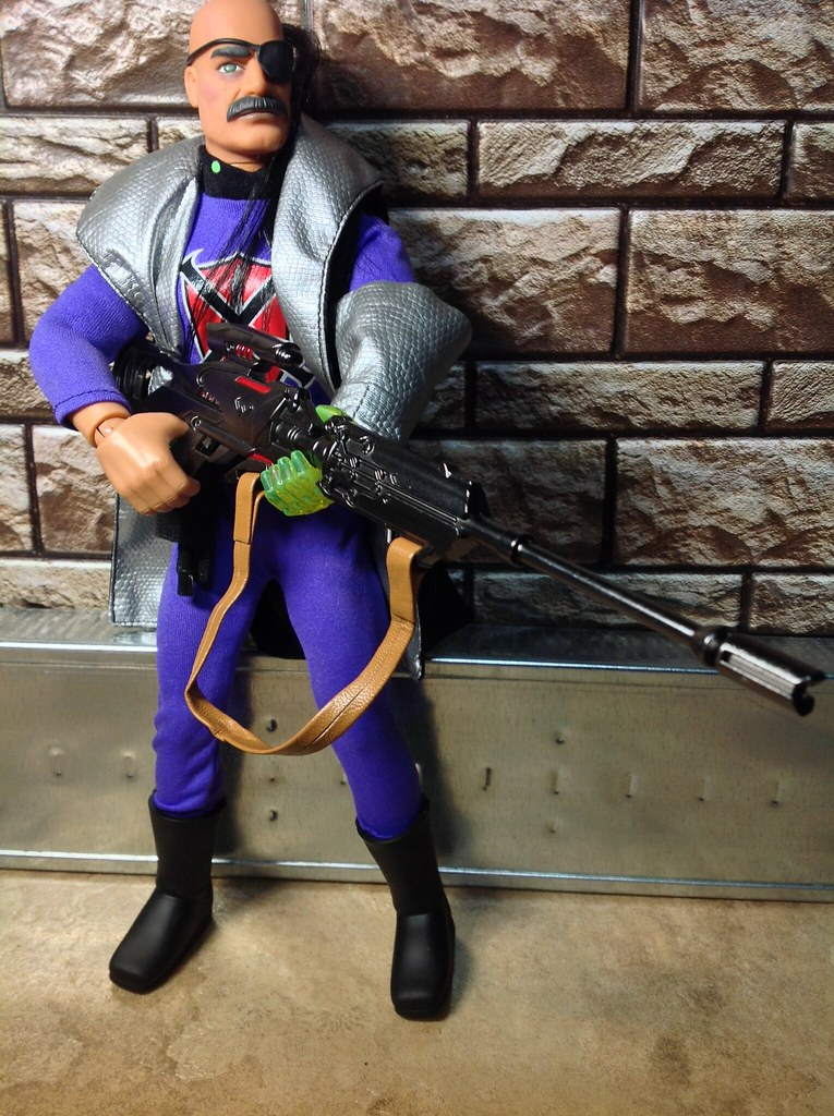 scifi - Diecast Science Fiction Guns (in use) 41468493882_f437bb4b10_b