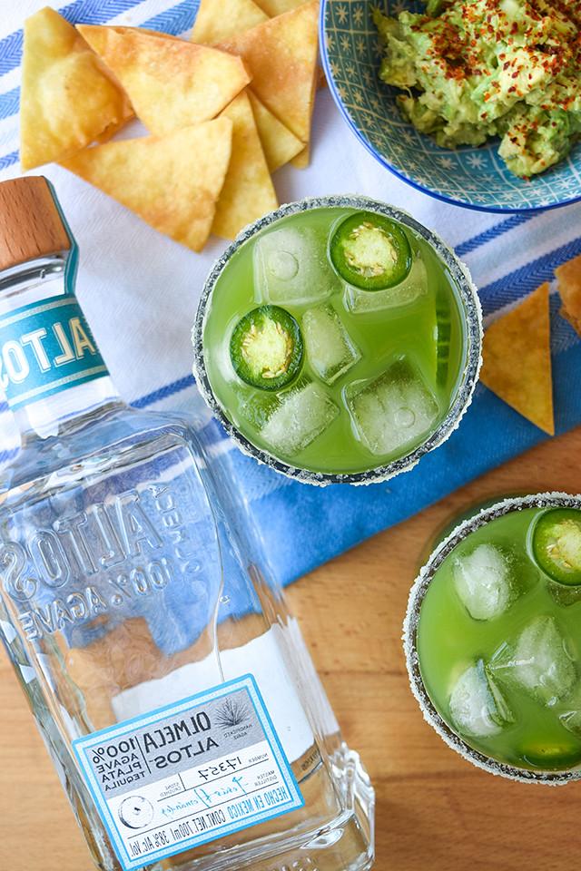Cucumber & Jalapeño Margaritas #margarita #cocktail #cucumber #jalapeno #tequila #cincodemayo #party #summer