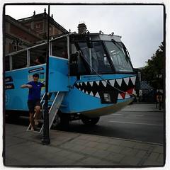 Vi ska ut och åka buss! Eller båt. :) #OceanBus