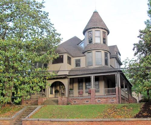 House on Alabama Avenue, Fort Payne 1