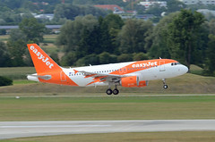 easyJet Airbus A319-111 G-EZFF