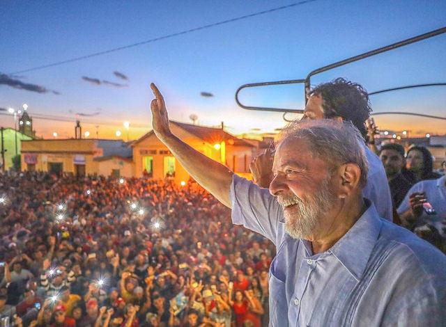 Según un sondeo realizado entre los días 18 y 20 de julio, Lula vencería las elecciones en todos los escenarios - Créditos: Foto: Ricardo Stuckert