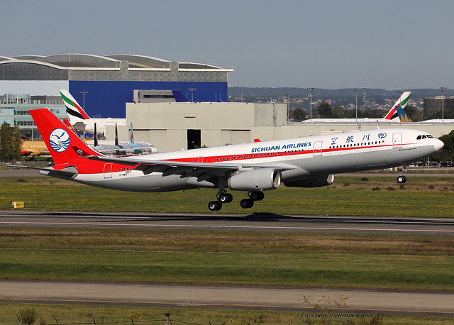 A330-300 SichuanAirlines F-WWYJ-008 cn1825, Canon EOS 60D, Sigma 50-500mm f/4.5-6.3 APO DG OS HSM