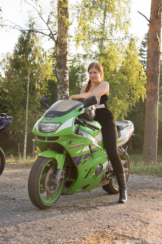 Moottoripyöräily, moottoripyörät, kawasaki, suzuki, moottoripyöräily kaverin kanssa, moottoripyöräilevät naiset, heinävesi, karvio, varistaipale