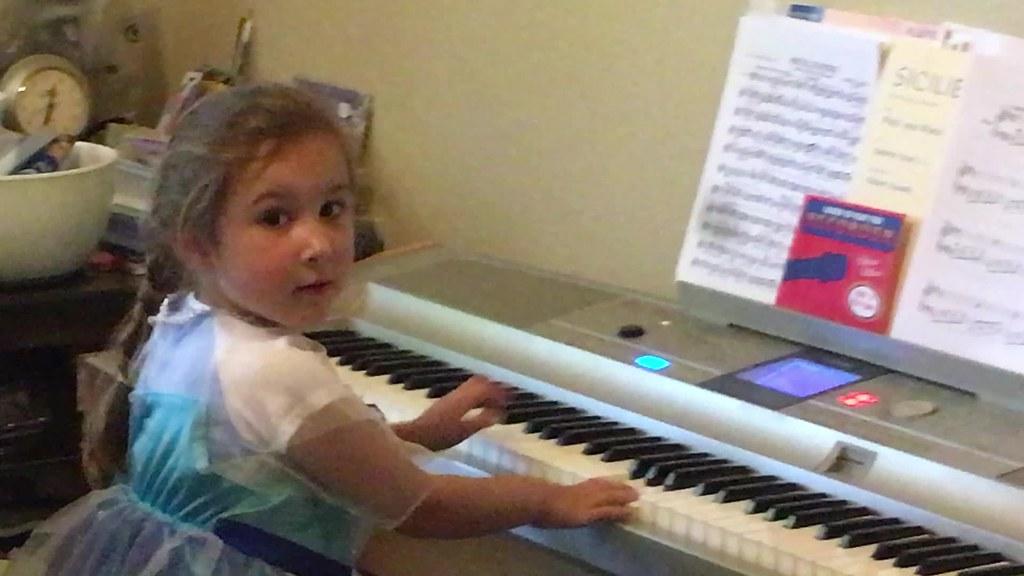 Sophia_Piano