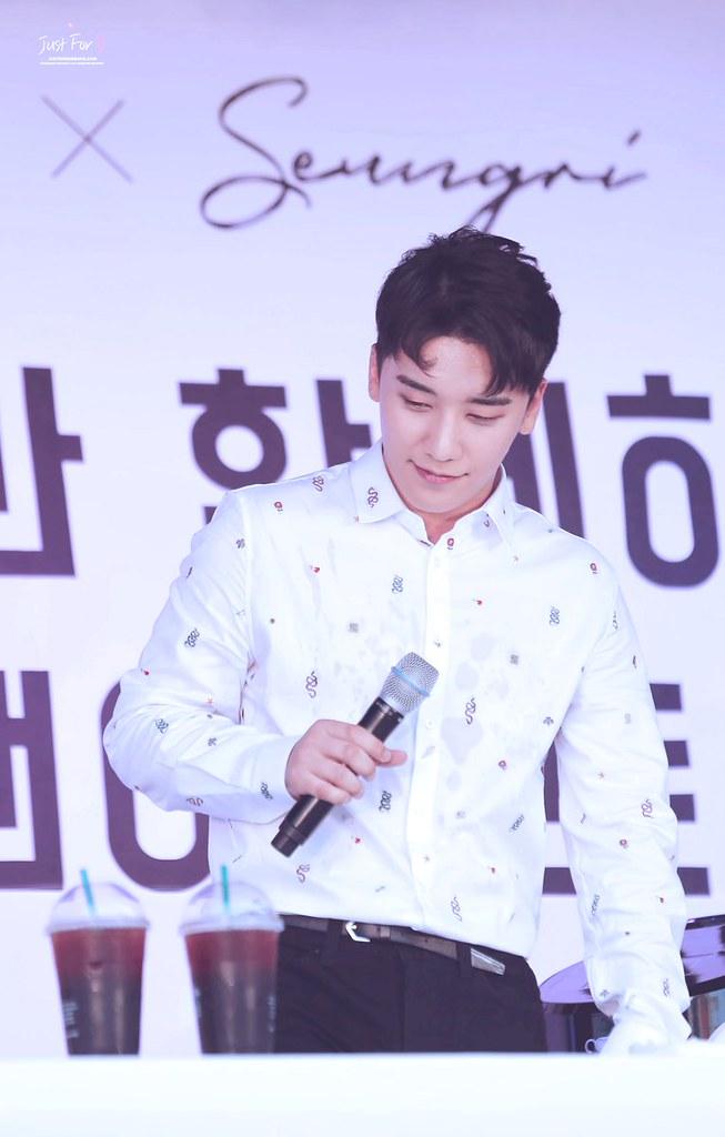 BIGBANG via Just_for_BB - 2018-08-01  (details see below)