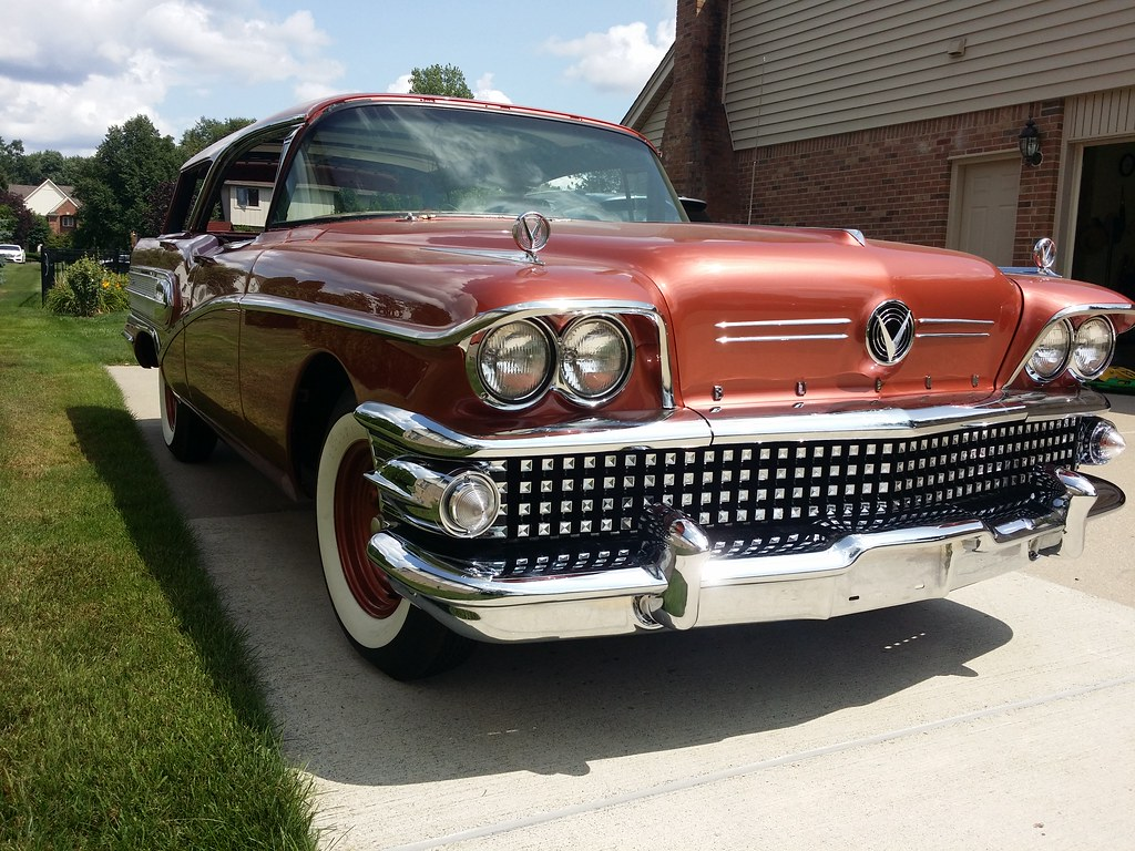It's a Buick, but it's not something you see very often. Caballero!  - Page 5 43010056194_6b811d9c8e_b