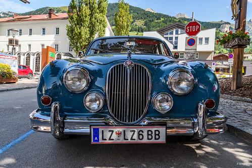 Classic Car: Jaguar Mark 2 (1960)?