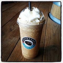 Frapino Coffee Espresso på #EspressoHouse i Sky City (prickar av från listan). Hinner pga på semester och just återkommen en timme tidigare än planerat. Vårt flyg blev inställt och vi blev ombokade till en tidigare flight. Whoosh!
