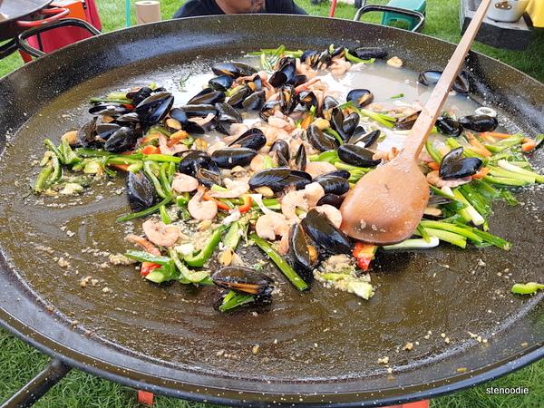 La Fiesta food truck paella