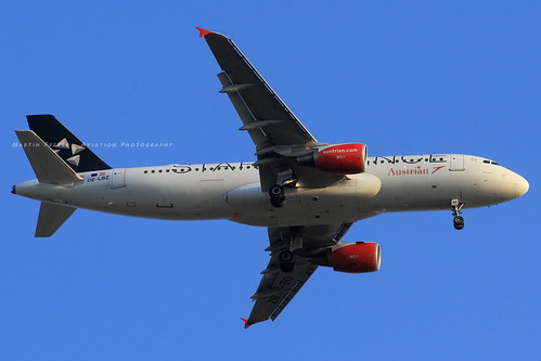 OE-LBZ // Austrian Airlines // A320-214