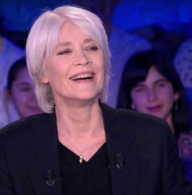 Françoise Hardy - Refoto de YouTube