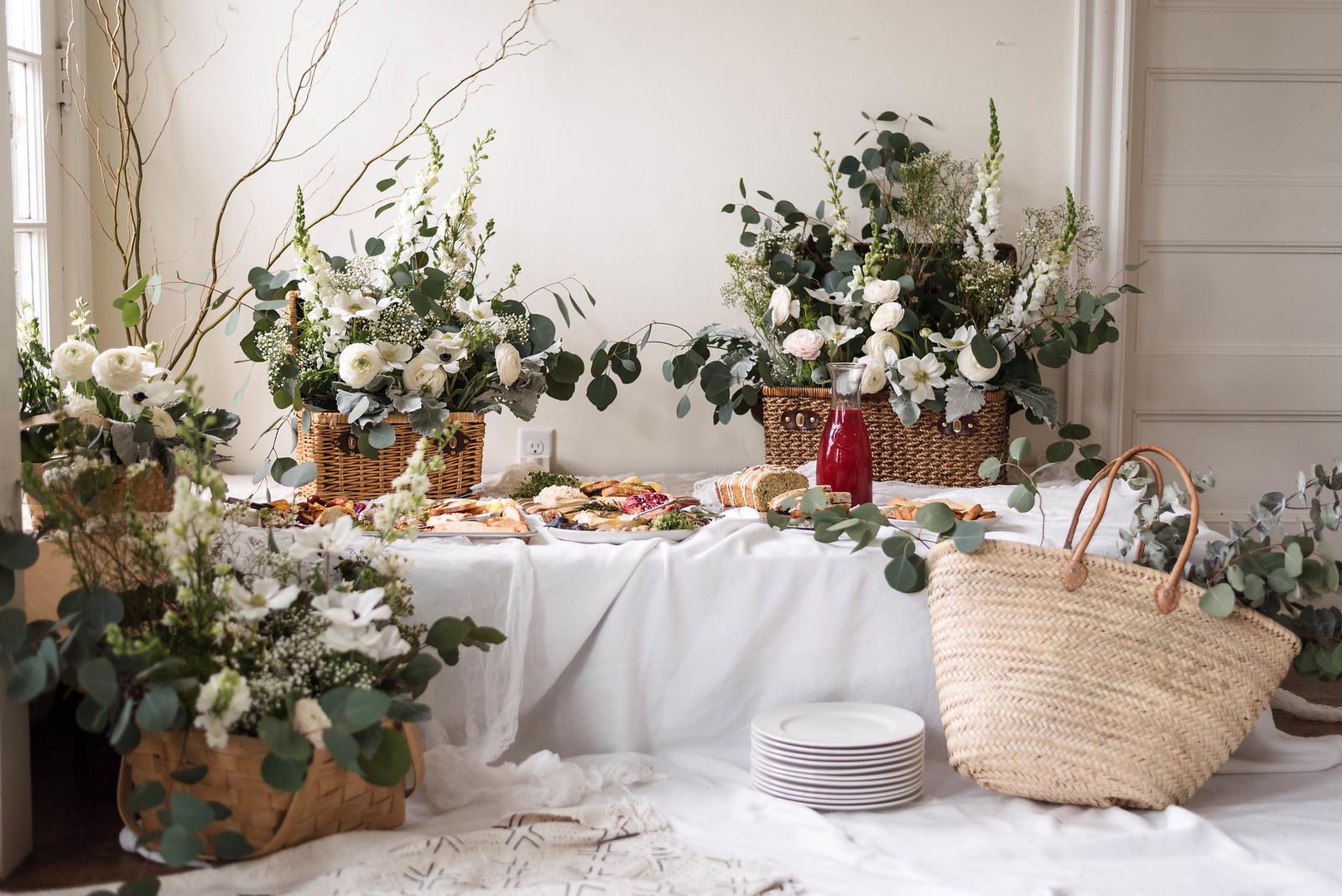 Floral Picnic Basket Arrangments on http://juliettelaura.blogspot.com/