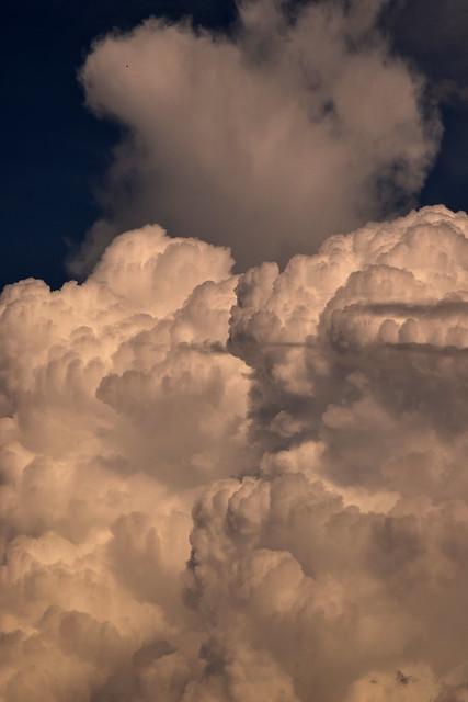 clouds 170513001, Nikon D3300, AF Nikkor 20mm f/2.8